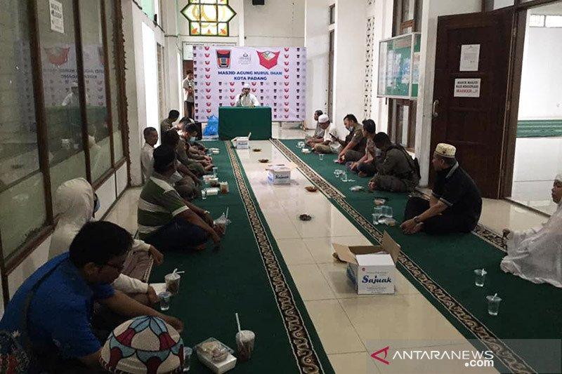 Masjid Nurul Iman Padang  kembali sediakan takjil