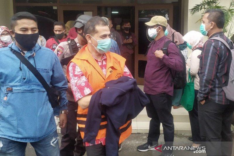 Wali Kota Cimahi nonaktif Ajay didakwa terima suap Rp1,6 miliar