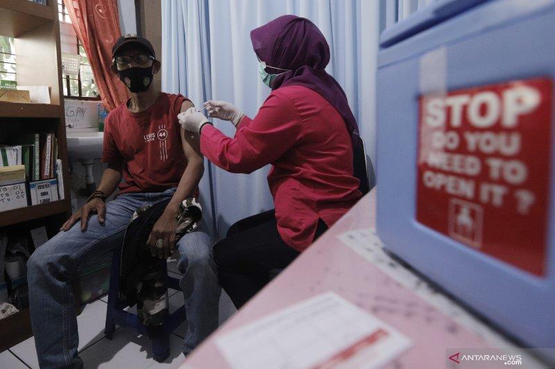 Dinkes Jakarta Utara bolehkan vaksin anak pembawa lansia