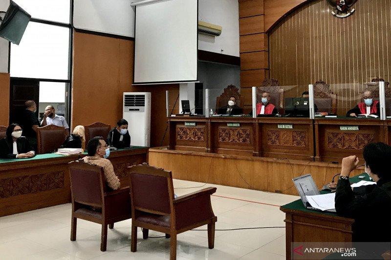 Majelis Hakim PN Jaksel tunda sidang Jumhur karena ahli bahasa sakit