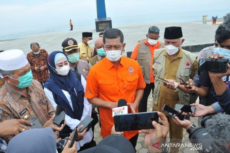 Kepala BNPB tinjau pembangunan pemecah ombak di Pantai Padang Sumbar