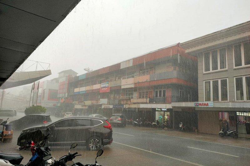 BMKG Supadio prediksikan cuaca ekstrem di Kalbar