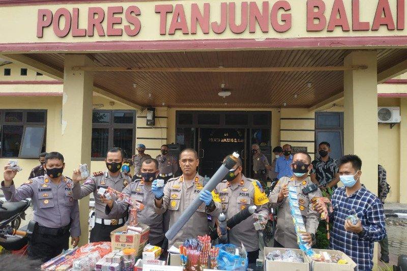 Polisi razia 'asmara subuh' di Sumut, amankan 73 sepeda motor