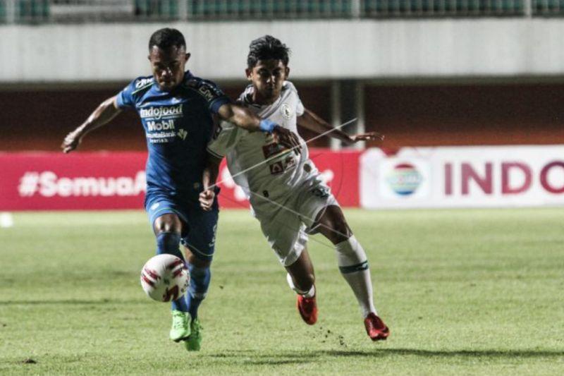 Persib Bandung tundukkan PSS Sleman 2-1
