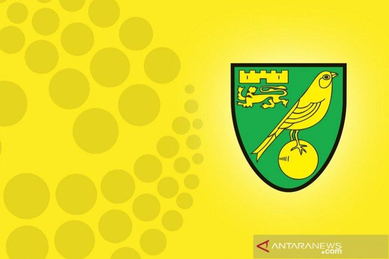 Norwich kunci tiket promosi berkat hasil tim-tim pesaing