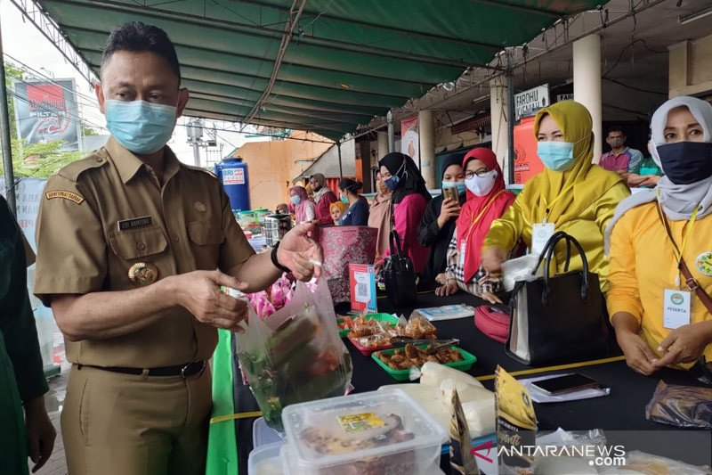 Wali Kota Pontianak: Borong takjil, bangkitkan ekonomi pedagang kecil