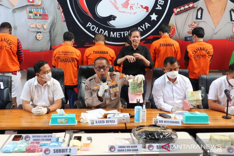 Polda Metro sita 5,9 kilogram sabu dari kurir narkoba lintas provinsi
