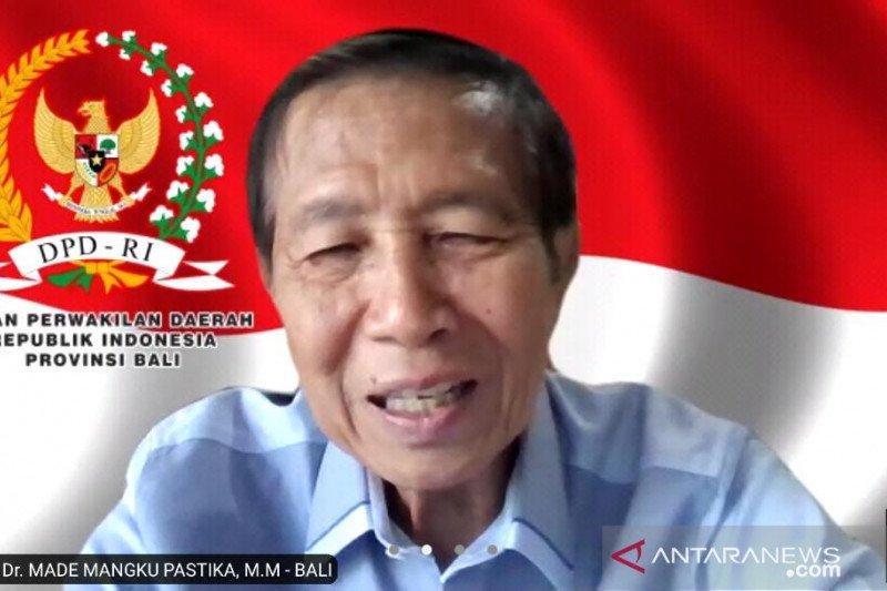 Anggota DPD janji perjuangkan peralatan olah sampah di Klungkung-Bali