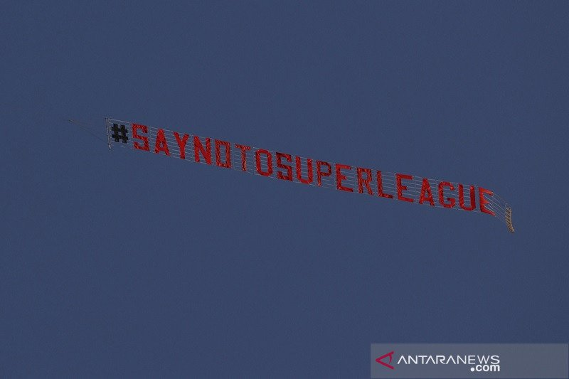 Protes anti Liga Super Eropa warnai laga Leeds vs Liverpool