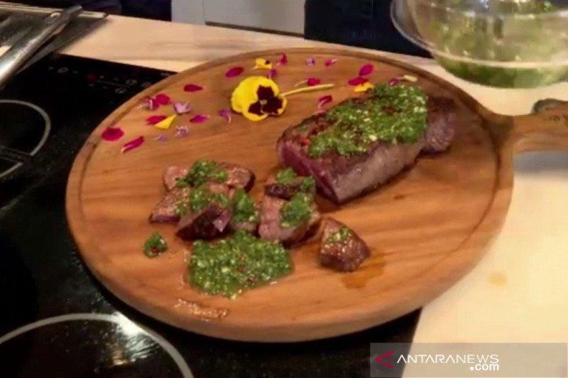 Menu Ramadhan - Sirloin steak dengan saus chimicurri