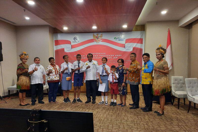 Pemprov Papua apresiasi 34 anak terima beasiswa pendidikan BPJAMSOSTEK