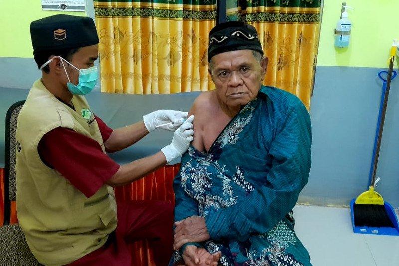 Strategi daerah mempercepat vaksinasi COVID-19 bagi lanjut usia