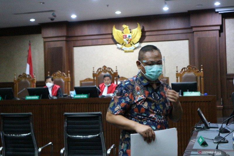 Dua anak buah Juliari Batubara didakwa jadi perantara penerima suap