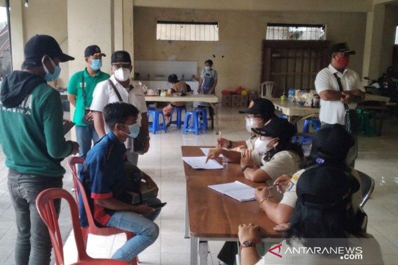 Belasan pelanggar prokes COVID-19 dijaring tim yustisi di Denpasar
