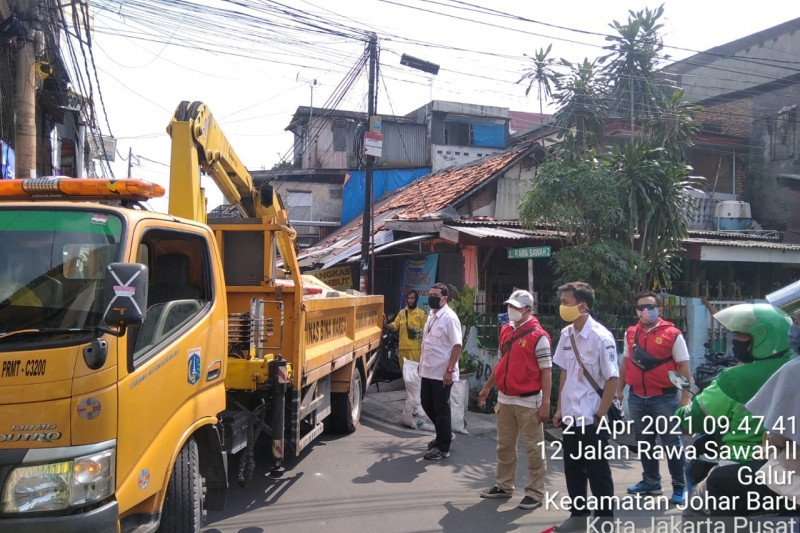 Pemkot Jakarta Pusat tutup JPO Johar Baru