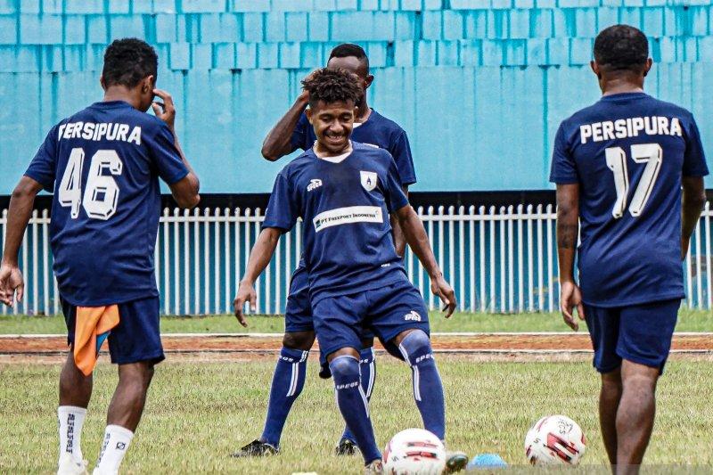 Jacksen: Piala AFC dan Liga 1 sama-sama penting untuk Persipura