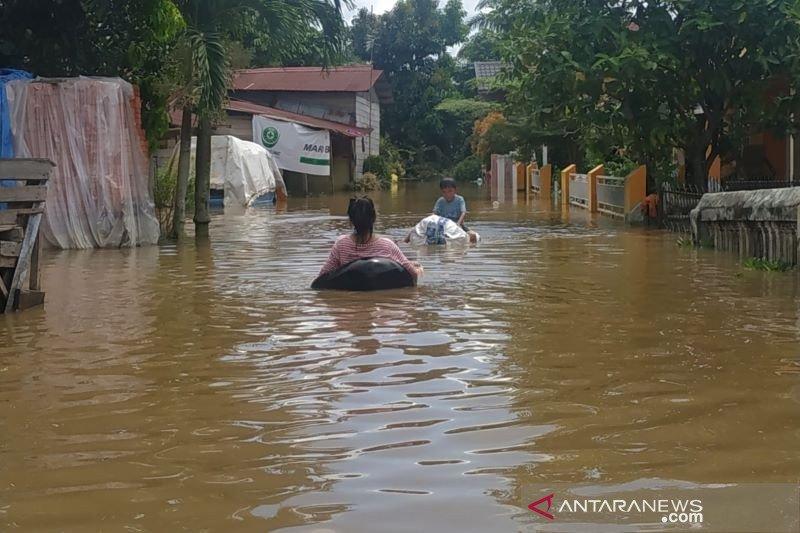 1.006 KK di Pekanbaru dievakuasi akibat banjir