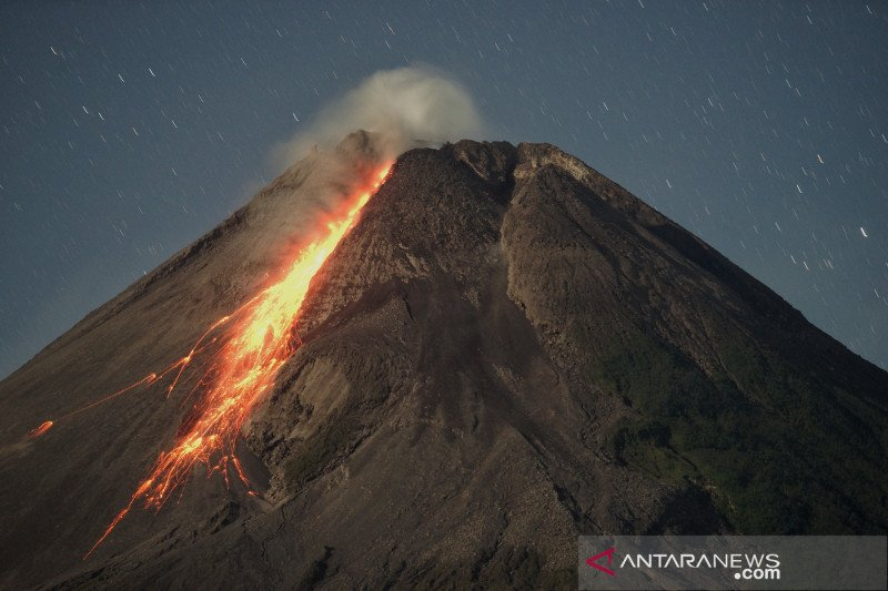 Awan panas guguran Gunung Merapi