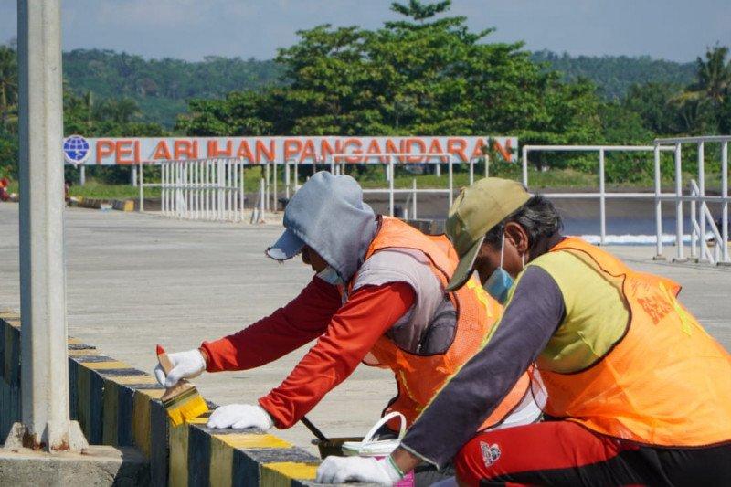Kemenhub gelar padat karya di Pelabuhan Pangandaran