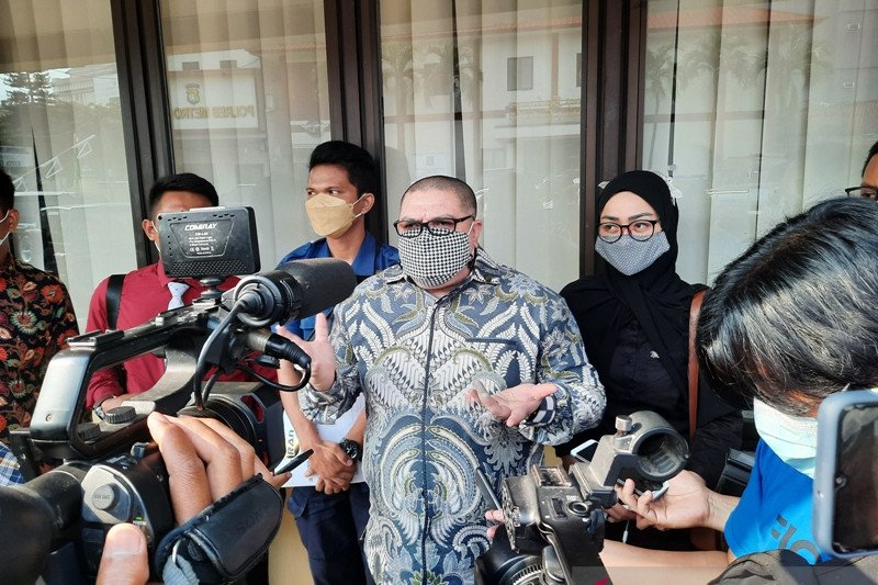 Razman Nasution serahkan bukti-bukti dugaan korupsi Damkar Depok