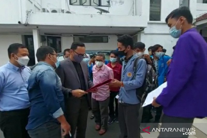 Rasakan gempa, Wali Kota Bogor berlari ke luar ruangan