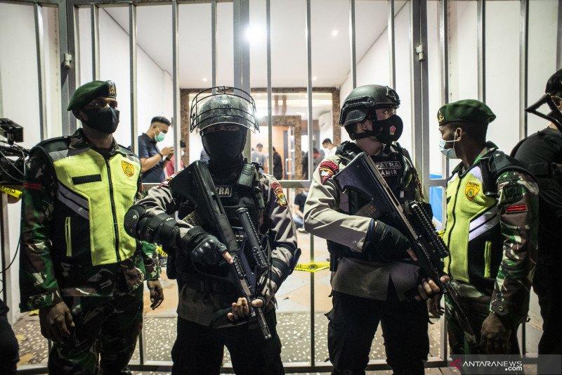 Densus 88 geledah markas FPI Petamburan setelah penangkapan Munarman