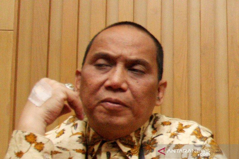 Indriyanto menandatangani pakta integritas Anggota Dewas KPK