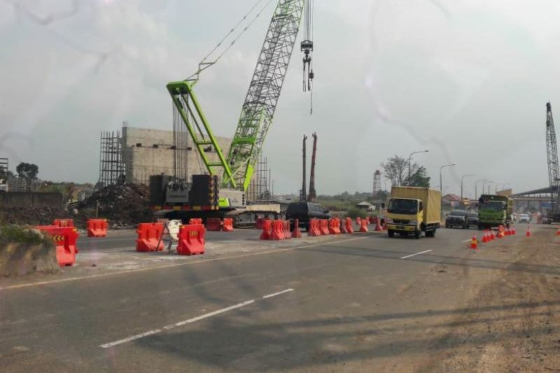 Ada pekerjaan Simpang Susun Cileunyi, pengguna tol diminta hati-hati