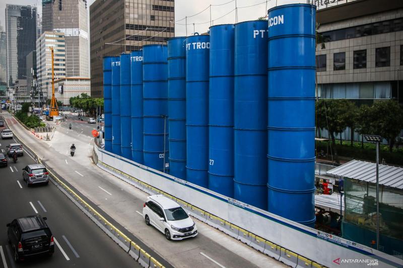 Pemasangan dinding penahan, MRT rekayasa lalu lintas Jalan Thamrin