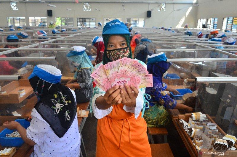 Sri Mulyani: THR diberikan H-10 Lebaran dan gaji ke-13 pada Juni 2021