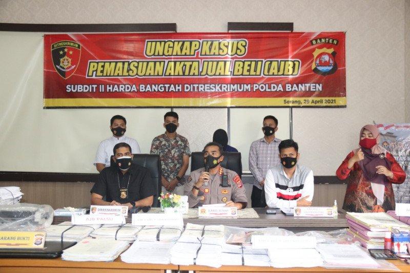 Ditreskrimum Polda Banten ungkap 690 AJB palsu