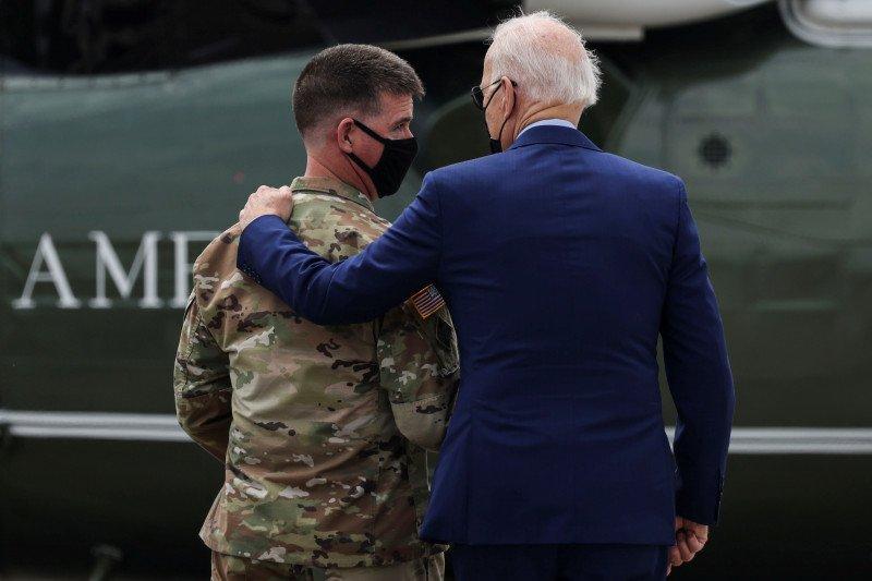 """100 hari pertama Joe Biden yang senyap tapi """"rame ing gawe"""""""