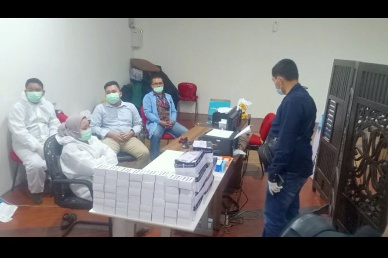4 petugas kesehatan ditahan terkait kasus alat tes cepat bekas