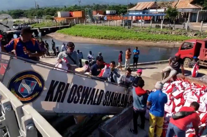 Paket bantuan Presiden tiba di Lembata NTT