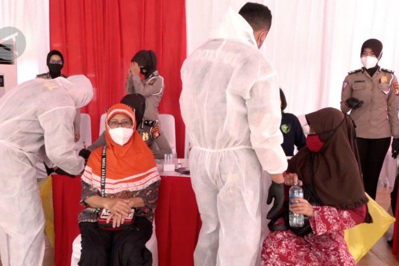 Polda Metro Jaya rapid test antigen gratis di Tol Cikampek