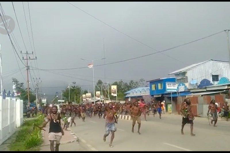 Polres Jayawijaya tenangkan kasus pembakaran 2 rumah di Wamena