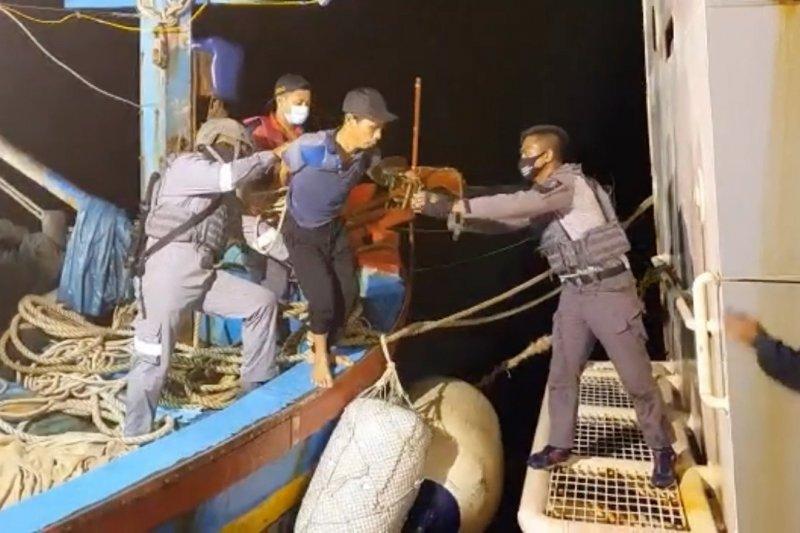 Bakamla kembali gagalkan aksi pencurian ikan oleh kapal asing