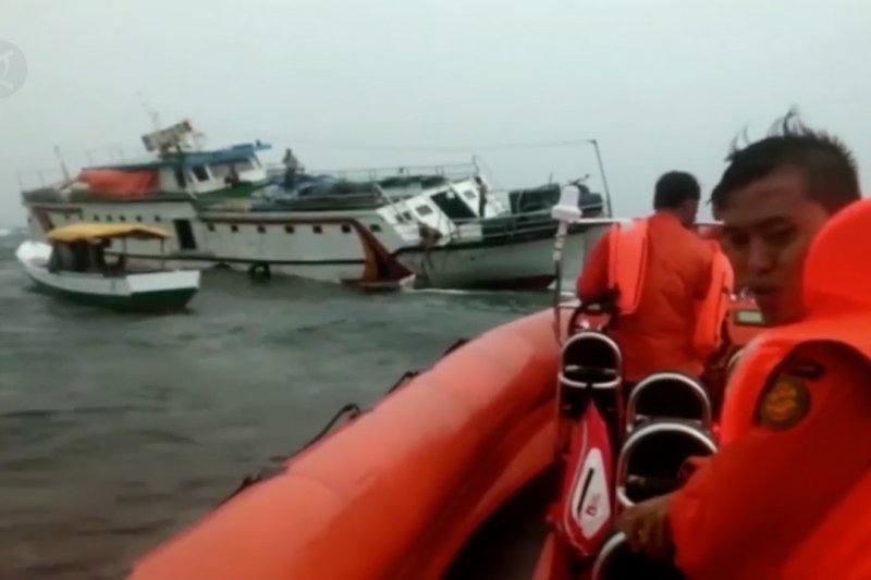 Basarnas Kendari minta nelayan pastikan alut sebelum melaut