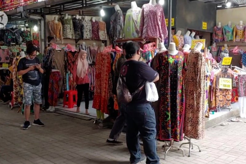 Jelang lebaran penjualan batik naik hingga 70 persen