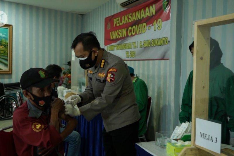 RS Polri Kramat Jati sasar vaksinasi COVID-19 untuk 500 juru parkir