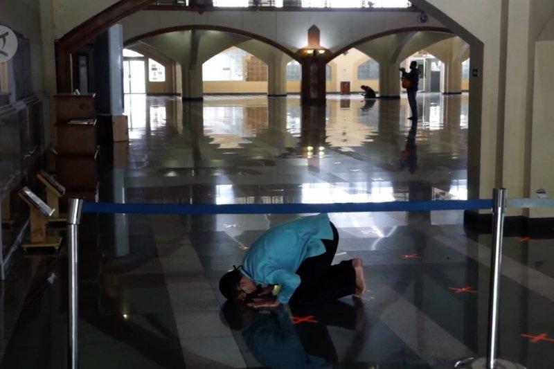 DKM Masjid Pusdai Jabar batasi jumlah jemaah shalat tarawih