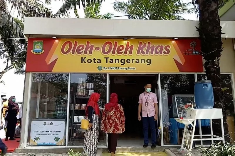 "Ada sentra oleh-oleh UMKM di ""rest area"" tol Tangerang - Jakarta"