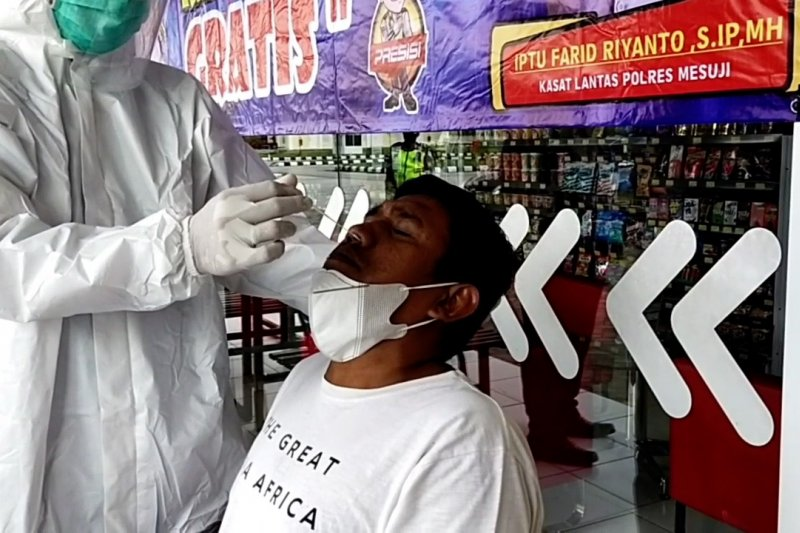 Polres Mesuji gelar tes cepat antigen gratis di rest area tol Trans Sumatera