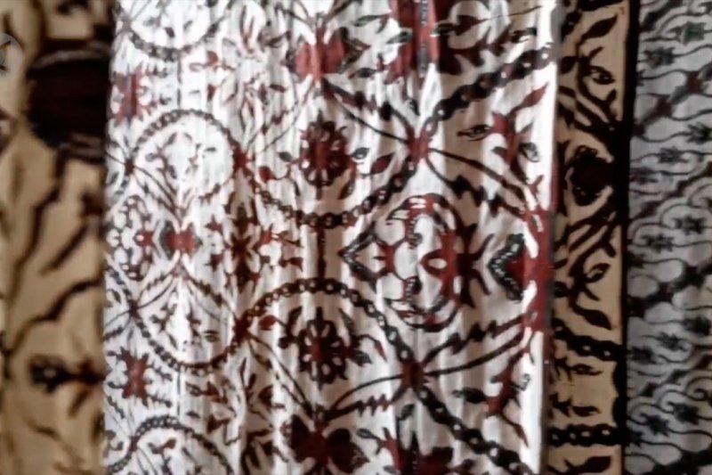 Selama Ramadhan, omset penjualan sarung batik meningkat