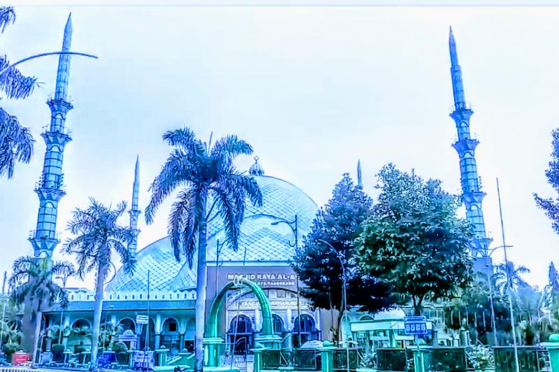 Al A'zhom, masjid berkubah tanpa penyangga terbesar di dunia