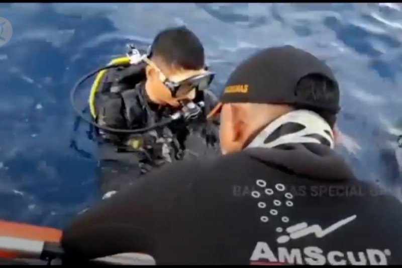 Tabrakan kapal,  Basarnas lakukan pencarian hingga dasar laut