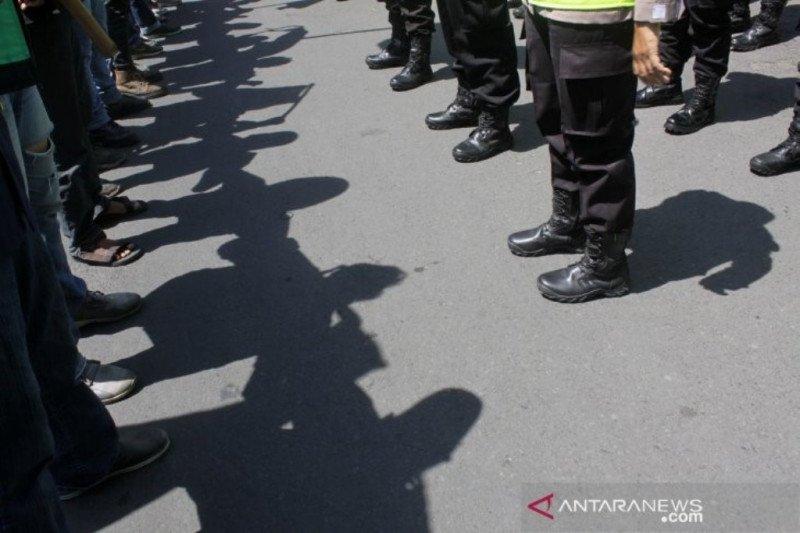 Polda Jatim siagakan 1.999 personel amankan Hari Buruh di Surabaya