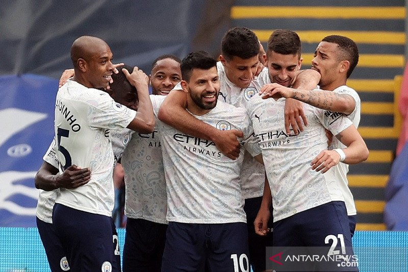 Guardiola sanjung tinggi penampilan Aguero saat kalahkan Palace