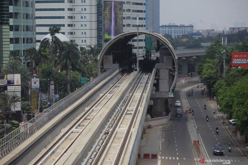 Luhut minta proyek LRT Jabodebek dikebut kejar target konstruksi 2021