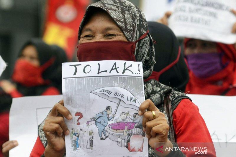 Disnaker Lampung harapkan buruh salurkan aspirasi melalui dialog